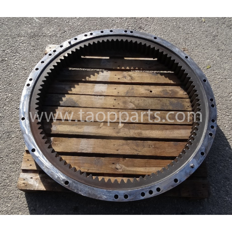 Komatsu Swing circle 206-25-00301 for PC240LC-7K · (SKU: 53327)