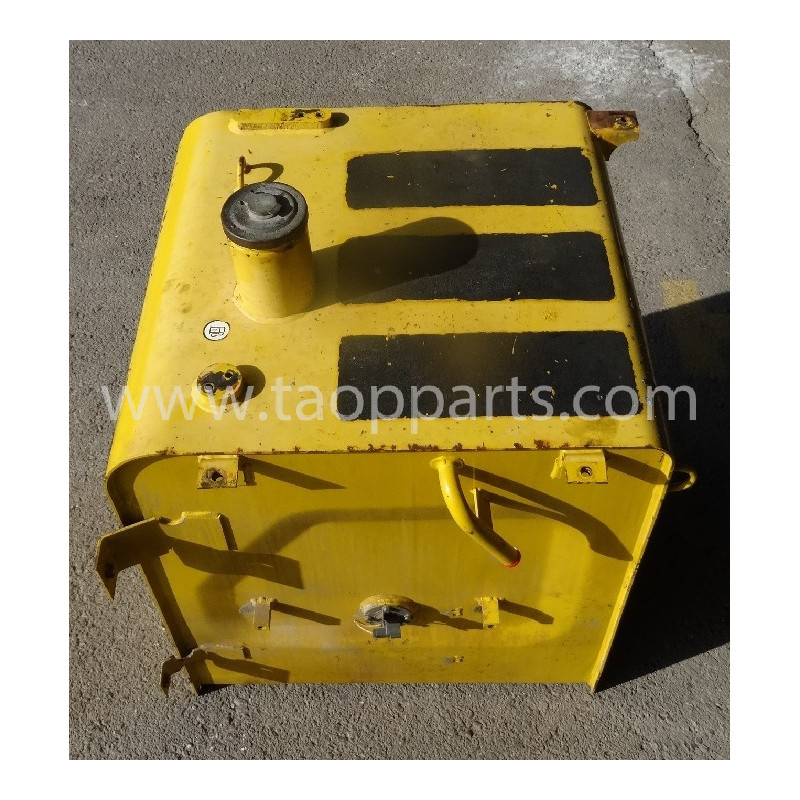 Komatsu Fuel Tank 206-04-71110 for PC240LC-7K · (SKU: 53338)