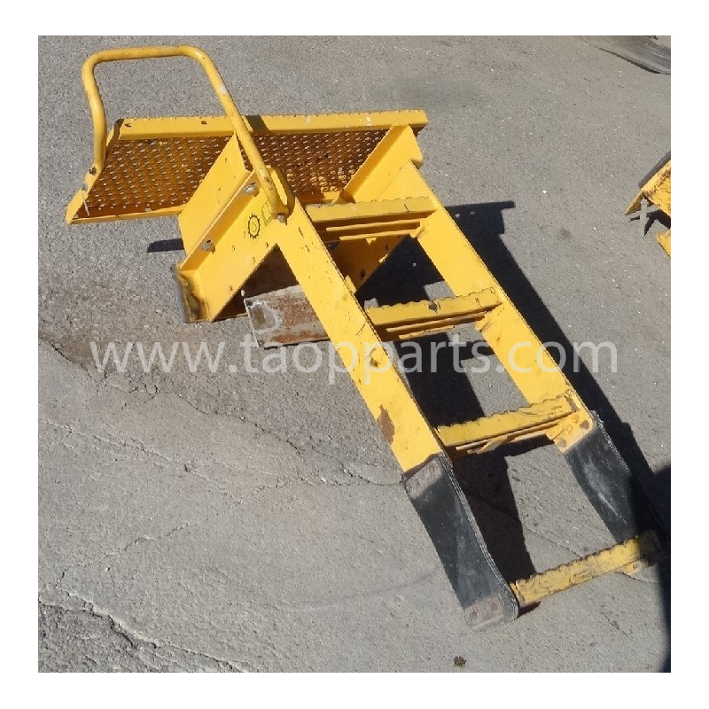 Escalier Volvo 11435972 pour L150E · (SKU: 53732)