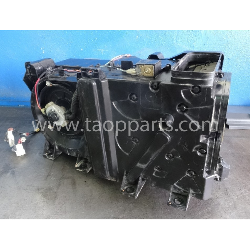 Komatsu Fan assy 208-979-7610 for PC450LC-7EO · (SKU: 53897)