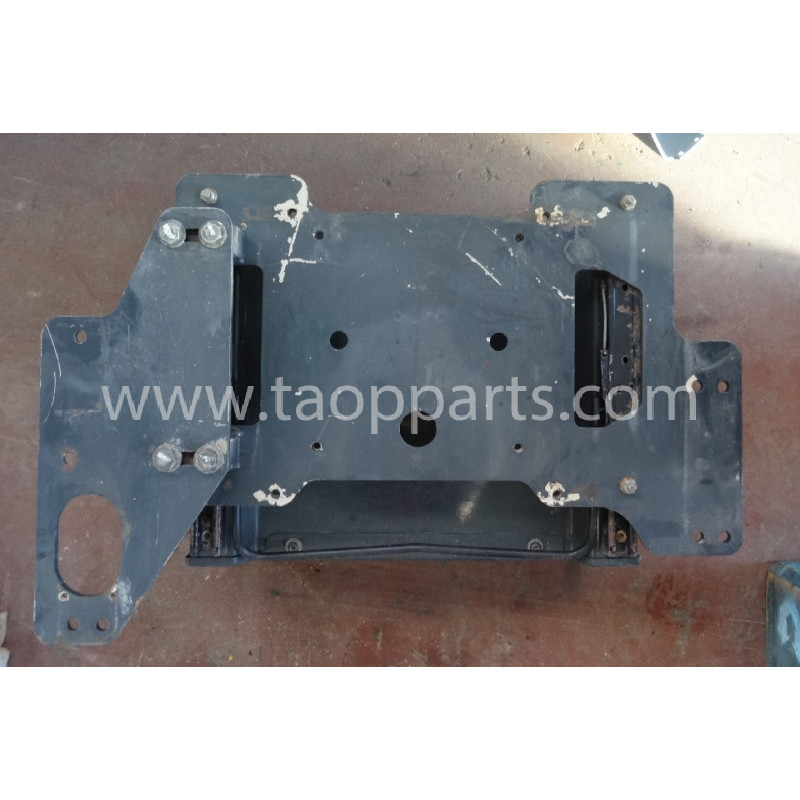 Komatsu Bracket 206-43-K1022 for PC450LC-7EO · (SKU: 53926)