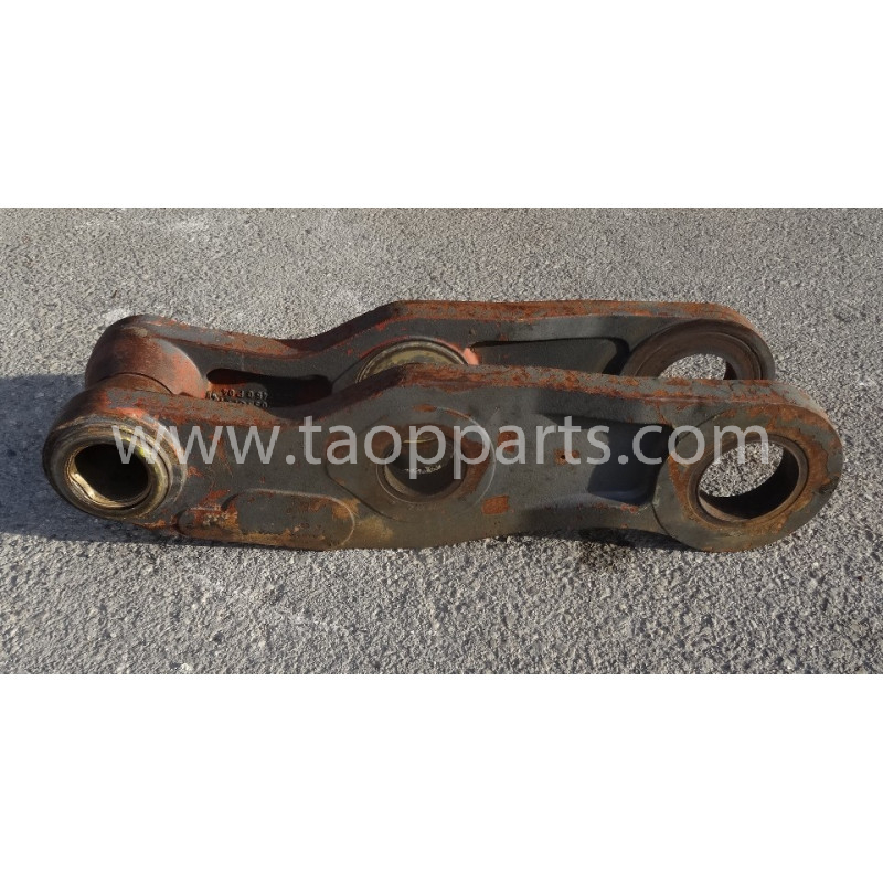 Volvo Bucket link 11026765 for L180E · (SKU: 53691)