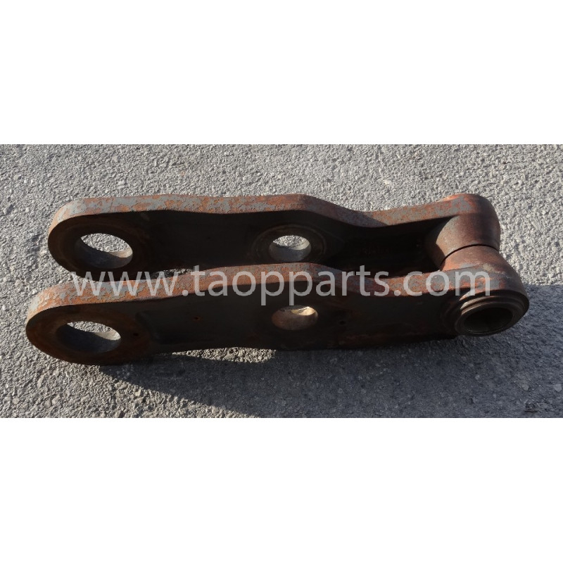 Volvo Bucket link 11026766 for L180E · (SKU: 53692)