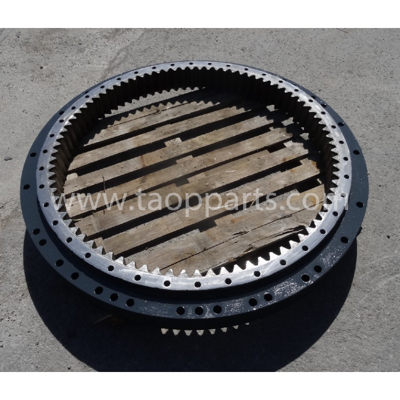Komatsu Swing circle 208-25-61100 for PC450LC-7EO · (SKU: 53756)