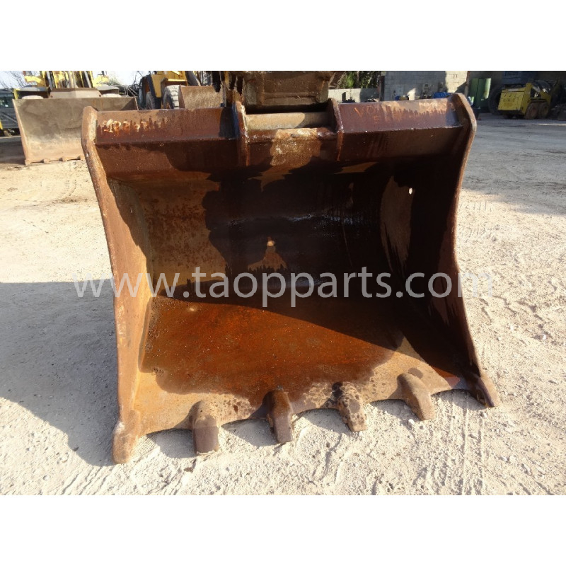 Komatsu Bucket 55555-00068 for PC340LC-7K · (SKU: 54270)