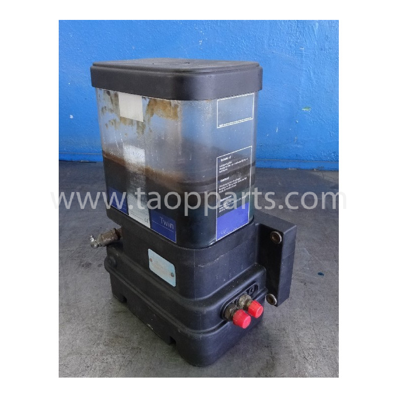 Volvo Grease pump 11707438 for L150E · (SKU: 54386)