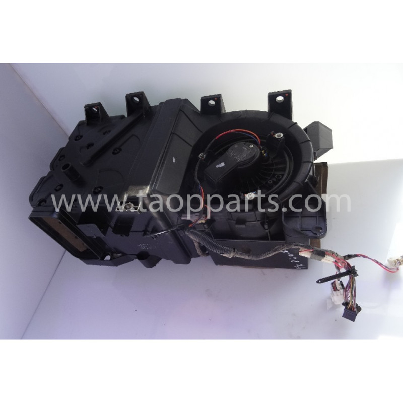 Komatsu Fan assy 20Y-810-1211 for PC240NLC-8 · (SKU: 54428)