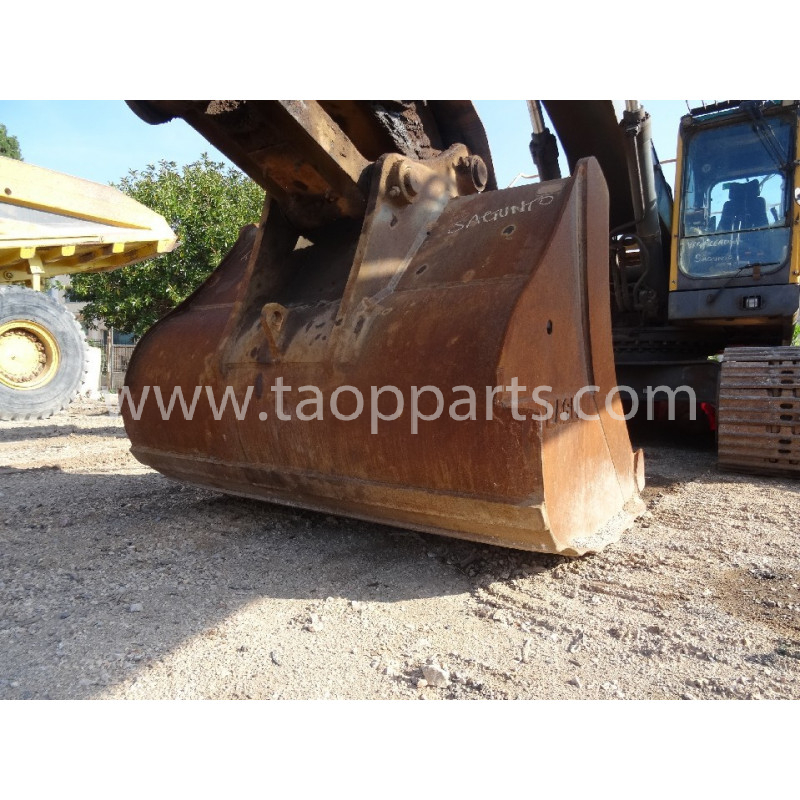 Volvo Bucket 77553 for EC460BLC · (SKU: 53638)