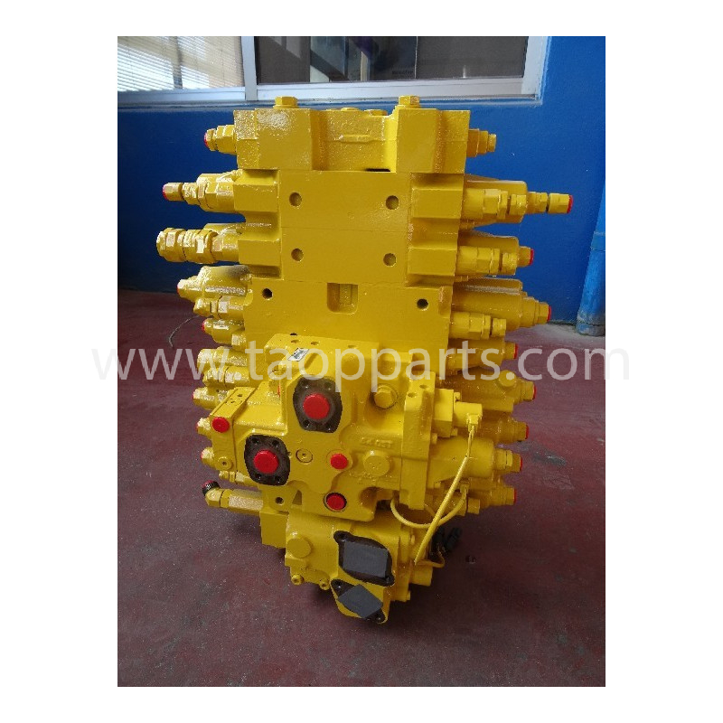 Komatsu Main valve 723-48-24200 for PC240NLC-8 · (SKU: 54552)