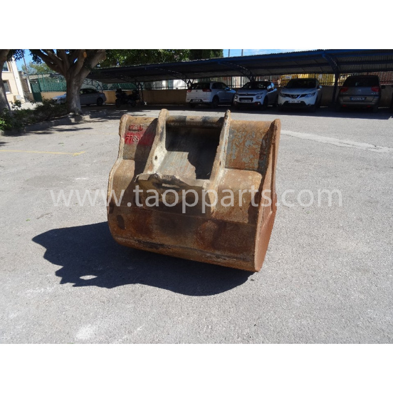 Komatsu Bucket 55555-00071 for PC240NLC-8 · (SKU: 54584)