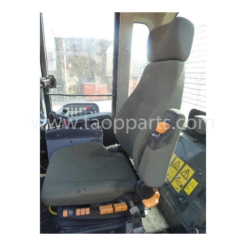 Siege conducteur Komatsu 421-57-41110 pour WA470-6 · (SKU: 54671)