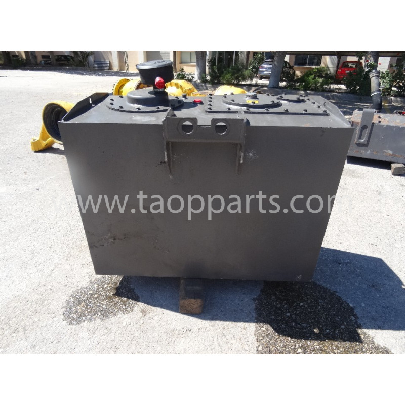 Volvo Hydraulic Tank 11148225 for L220E · (SKU: 54676)