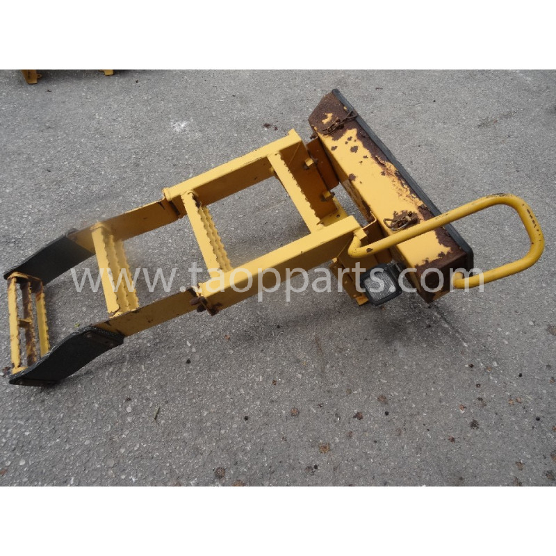 Escalier Volvo 11435973 pour L220E · (SKU: 54678)