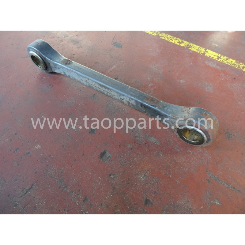 Volvo Bucket link 11108004 for L220E · (SKU: 52119)