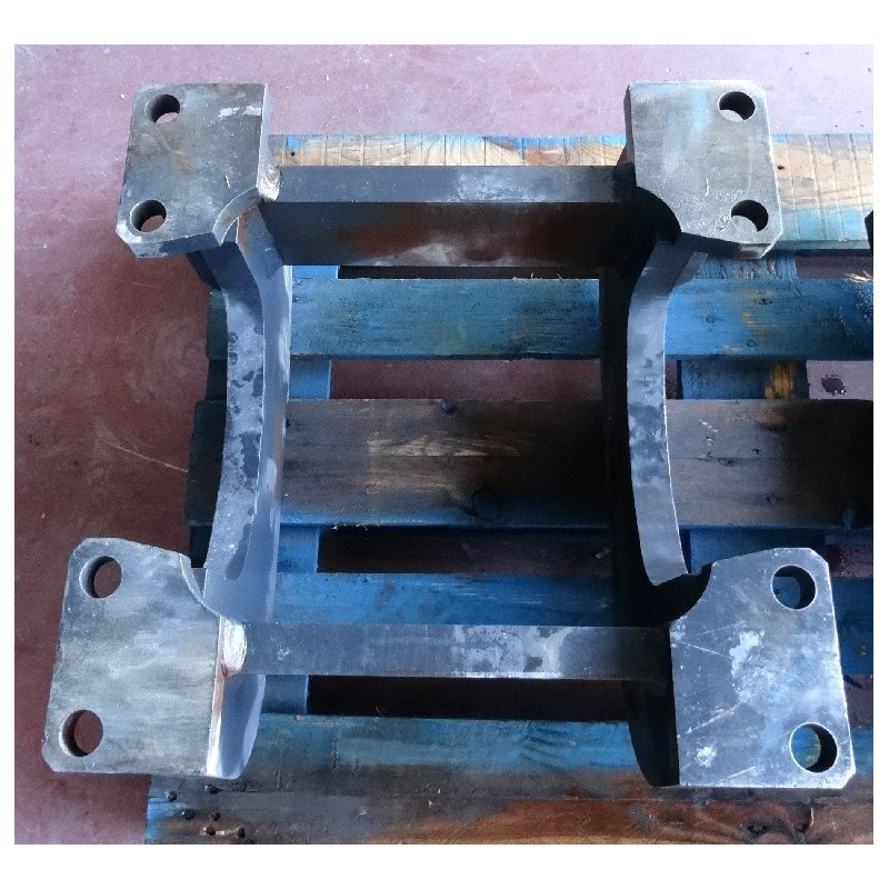 Komatsu Roller guard 209-30-61740 for PC750-6 · (SKU: 857)