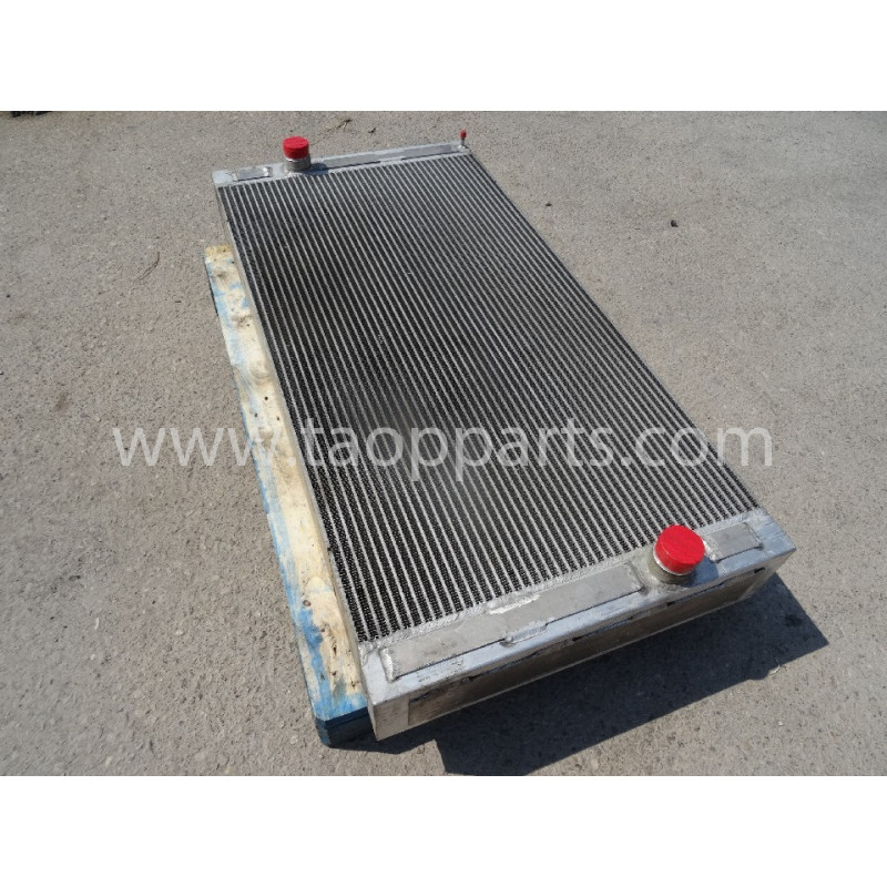 Volvo Radiator 15009622 for L220E · (SKU: 54796)