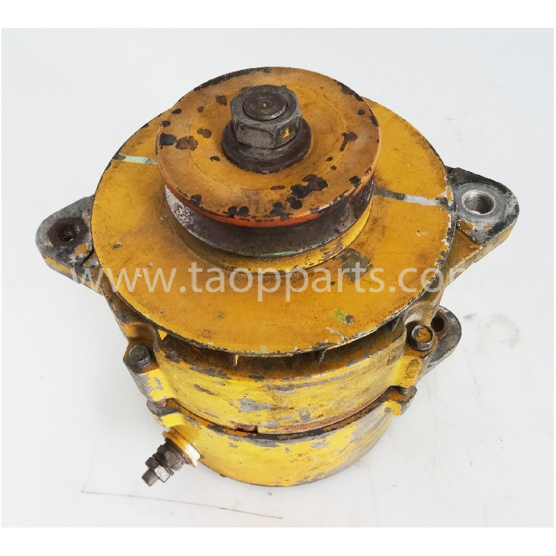 Komatsu Alternator 600-821-9550 for WA600-3 · (SKU: 54902)