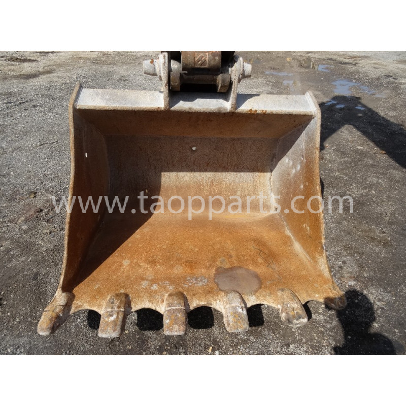 Komatsu Bucket 55555-00084 for PC210LC-8 · (SKU: 55082)