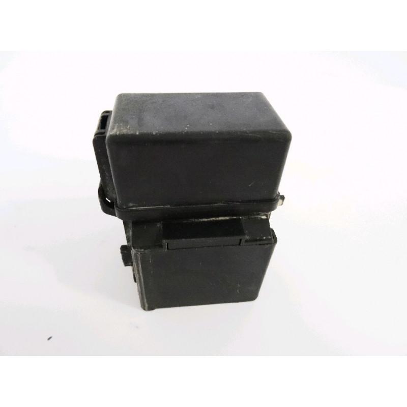Porta fusibles usada Komatsu 421-06-22880 para WA500-6 · (SKU: 871)