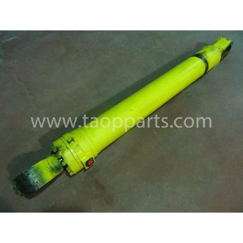 Komatsu BUCKET CYLINDER 208-63-02130 for PC450LC-6K · (SKU: 54113)