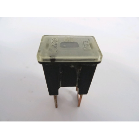 Fusible Komatsu 421-06-22820 para WA500-6 · (SKU: 873)