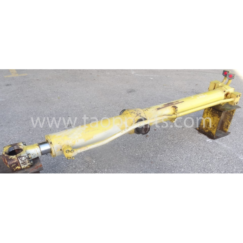 Cilindru Komatsu 17A-63-02110 pentru D155AX-5 · (SKU: 51936)