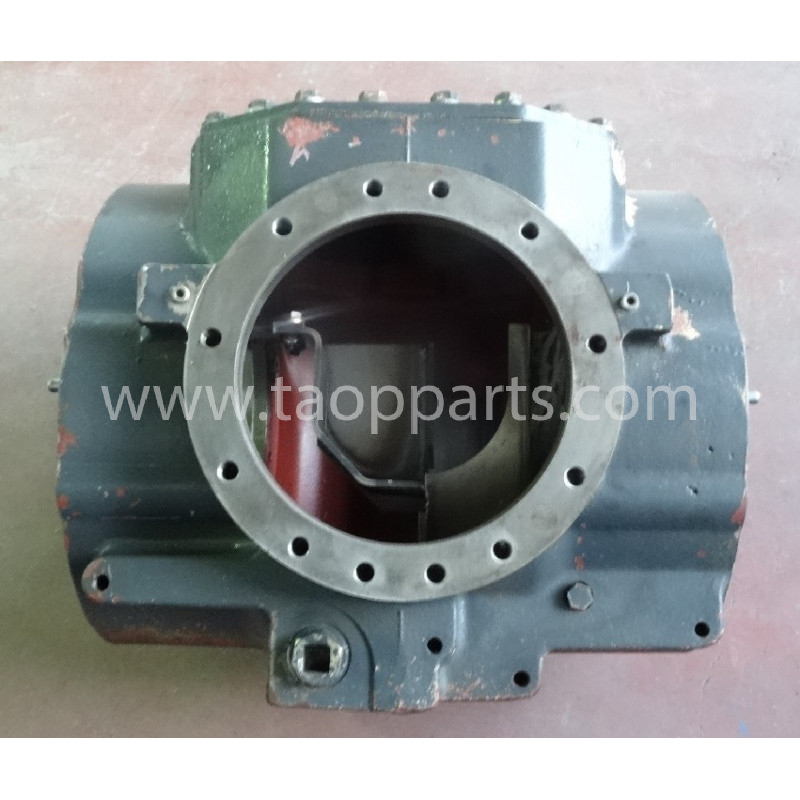 Komatsu housing 424-22-33310 for WA400-5H · (SKU: 55786)