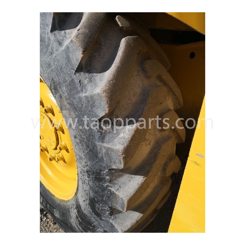 MICHELIN Radial tyres 440/80R28 · (SKU: 55845)