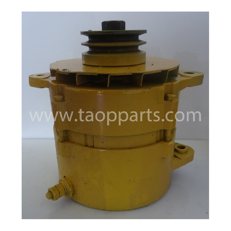 Alternateur 600-825-6110 pour Bulldozer Komatsu D155AX-5 · (SKU: 56050)
