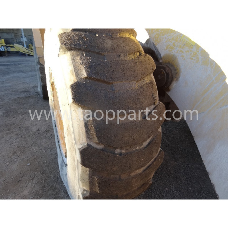 Pneu Radial MICHELIN 525/80R25 · (SKU: 56479)