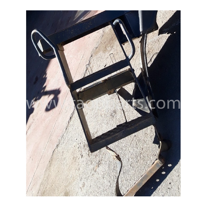 Escalier [usagé usagée] 421-54-H4G50 pour Chargeuse sur pneus Komatsu · (SKU: 56602)