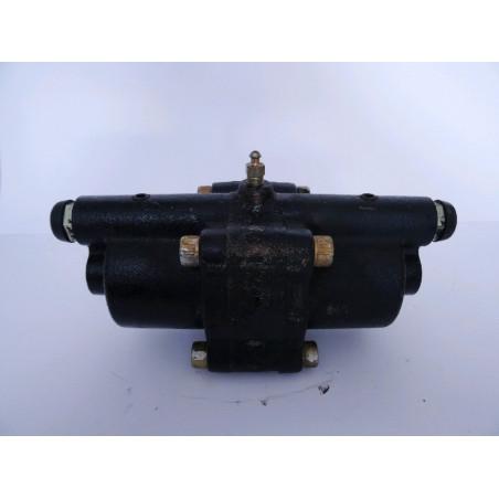 Valvula Komatsu 425-43-38611 para WA500-6 · (SKU: 1059)