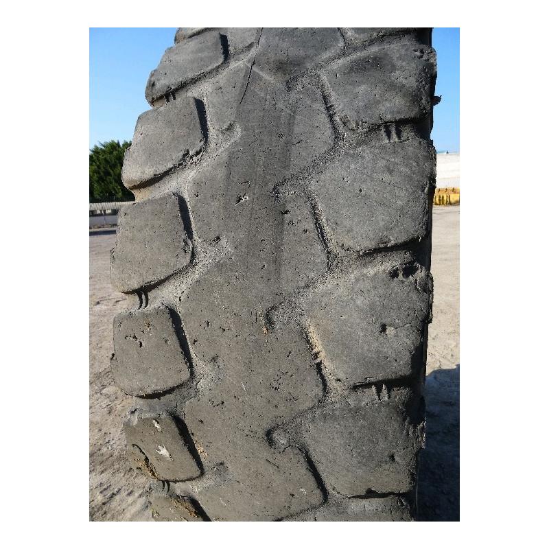 Neumático Radial MICHELIN 18.00R33 · (SKU: 1249)