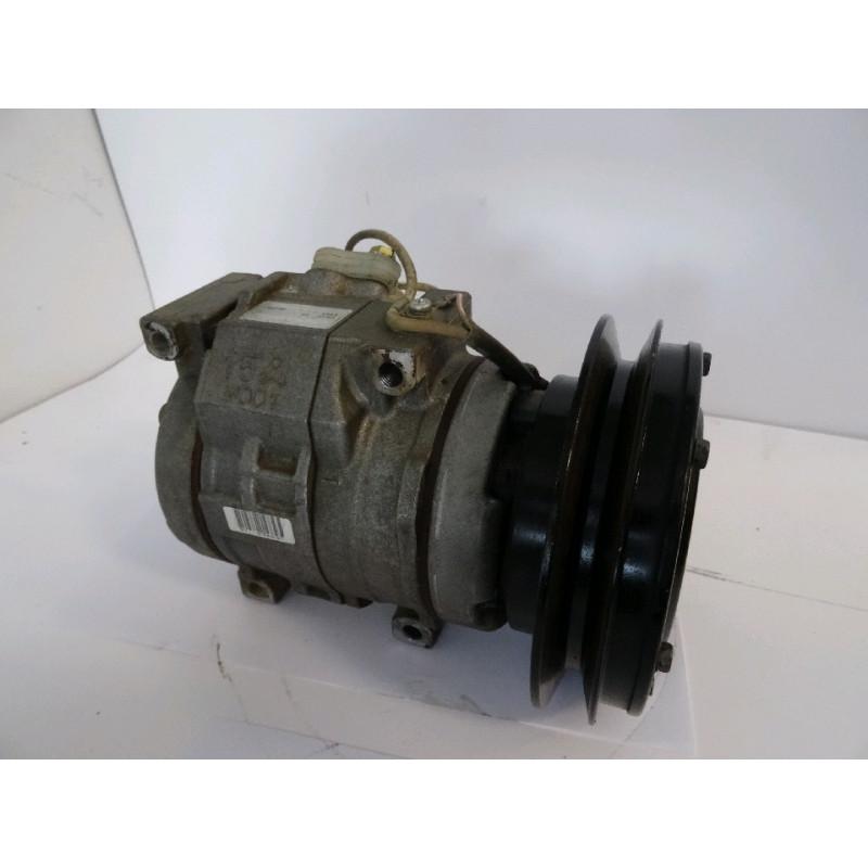 Compresseur Komatsu 423-S62-4330 pour WA470-6 · (SKU: 1262)