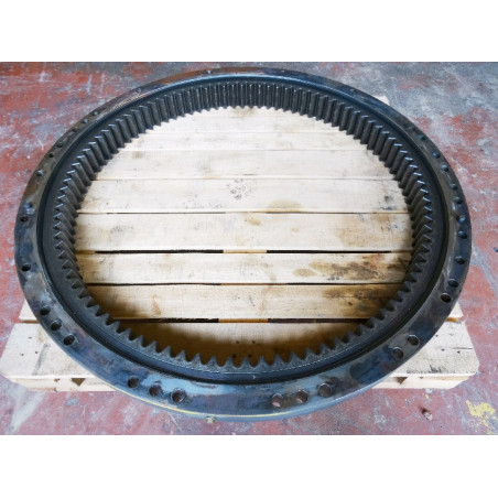 Komatsu Swing circle 20Y-25-00400 for PC210-8 · (SKU: 929)