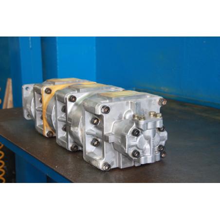 Komatsu Pump 705-58-47000 for WA600-1 · (SKU: 212)