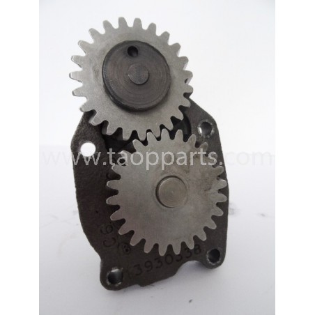 Komatsu Oil pump 6742-01-3700 for machines · (SKU: 1543)