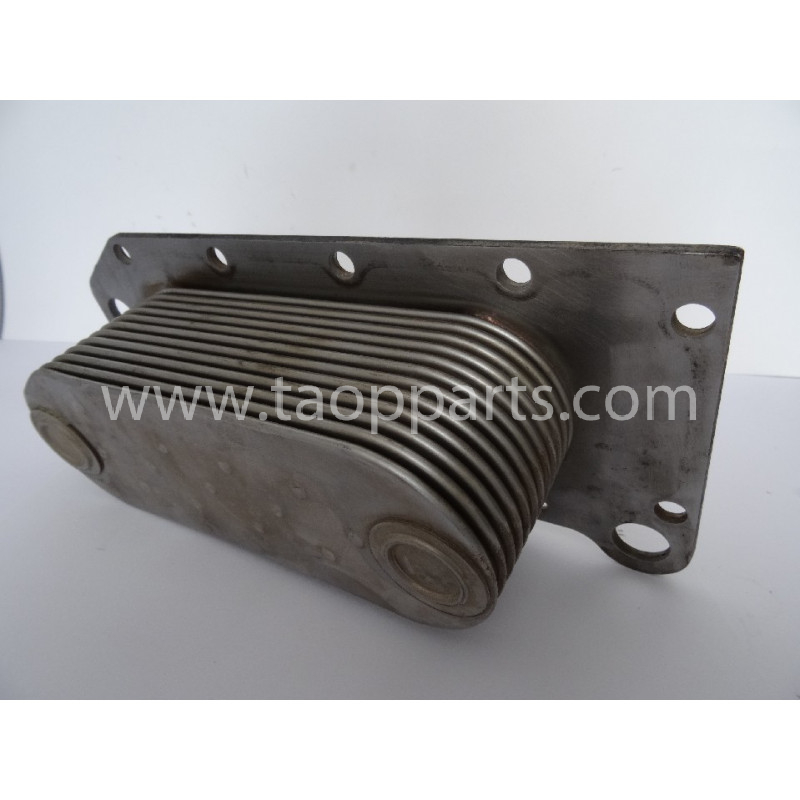 Komatsu Cooler 6742-01-2450 for machines · (SKU: 1547)