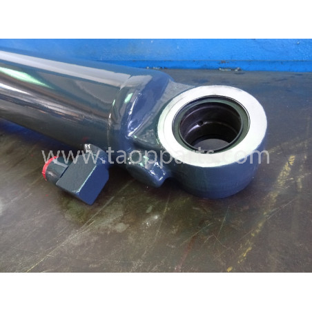 Komatsu Steering cylinder 421-63-H1120 for WA470-5 · (SKU: 1563)
