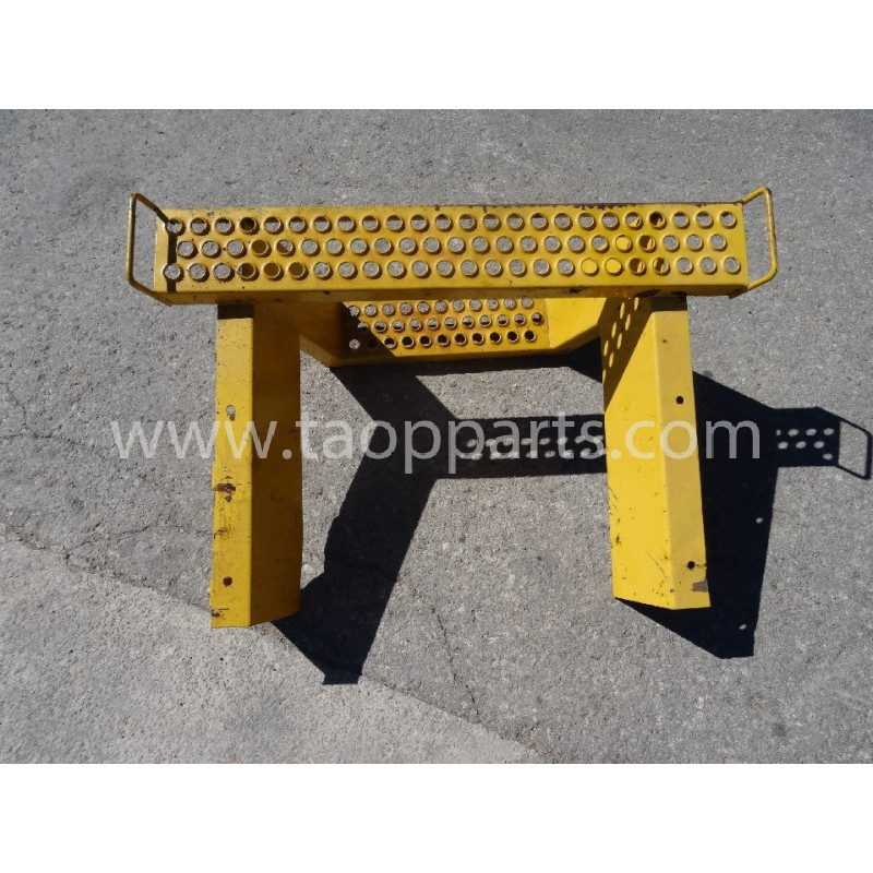 Escalier [usagé usagée] 21D-47-11181 pour Pelle sur pneus Komatsu · (SKU: 2137)