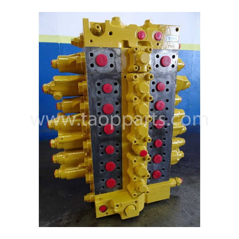 distributore idraulico Komatsu 723-47-22402 del PC210-7 · (SKU: 1604)