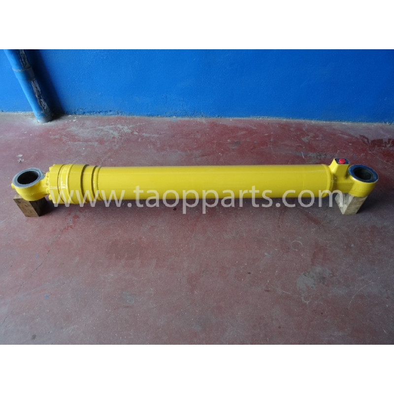 Komatsu BUCKET CYLINDER 206-63-K1911 for PC290-6 · (SKU: 2173)