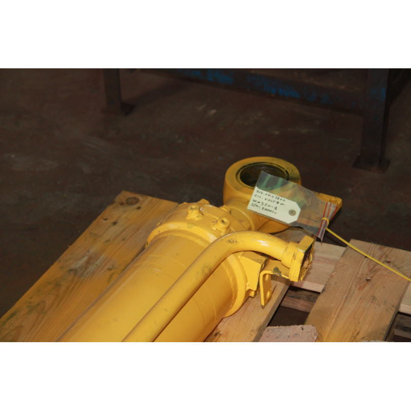 Cilindro del cazo Komatsu 707-01-03710 para WA320-1 · (SKU: 402)