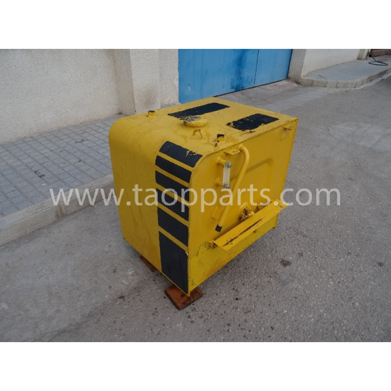 Komatsu Fuel Tank 20Y-04-K1260 for PC210LC-6K · (SKU: 3121)