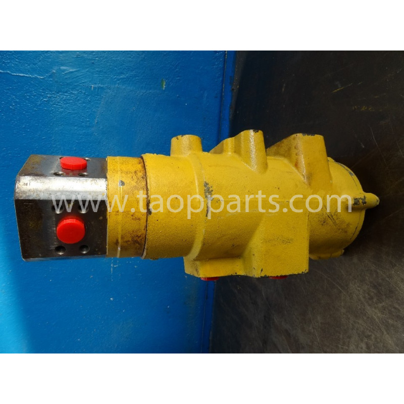 Komatsu Swivel joint 703-09-33230 for PC210LC-6K · (SKU: 3170)