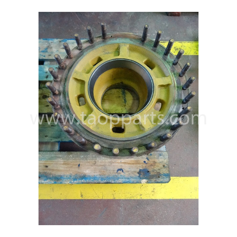 Komatsu Hub 421-22-22740 for WA470-3 ACTIVE PLUS · (SKU: 3321)