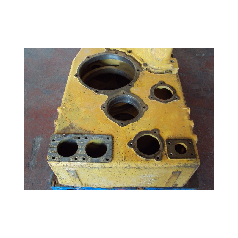 Komatsu Housing 426-15-00170 for WA600-1 · (SKU: 421)