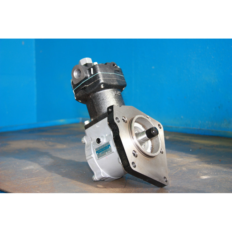 Compresor Komatsu 6215-81-3101 de Dumper Rigido Extravial HD785-5 · (SKU: 274)