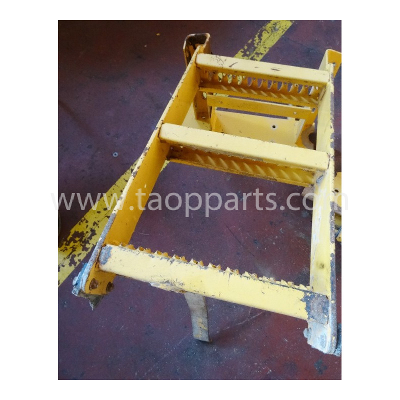 Volvo Stair 11026448 for L150C · (SKU: 3881)