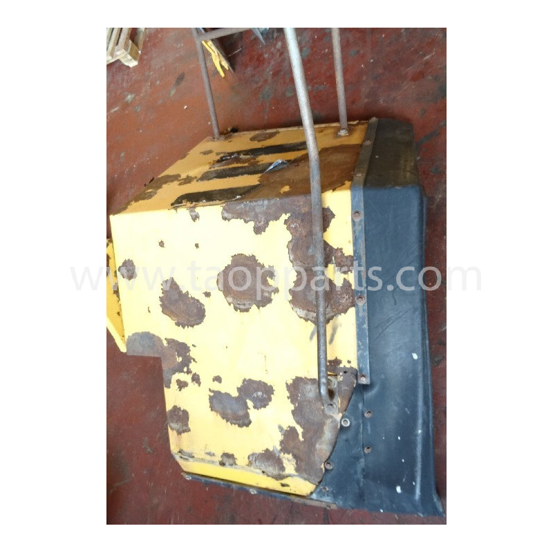 Volvo Fender 11026716 for L150C · (SKU: 3886)